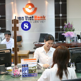 http://images1.cafef.vn/Images/Uploaded/Share/2008/08/2008080410042629/Giao_dich_tai_Ngan_hang_Lien_Viet_1.jpg