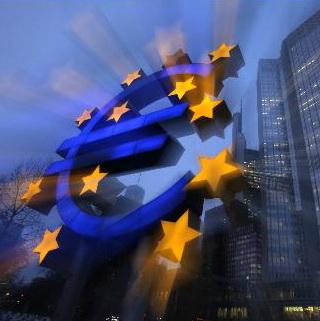 """EU: Kinh tế châu Âu sẽ """"khốn khổ"""" nếu kinh tế châu Á và Mỹ tăng trưởng chững lại"""