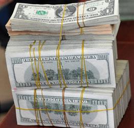 Lãi suất USD ở Việt Nam cao gấp 10 lần thế giới