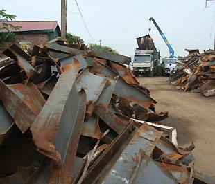 Doanh nghiệp gặp khó vì thiếu quy chuẩn thép phế nhập khẩu