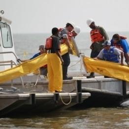Mỹ bỏ lệnh cấm khoan thăm dầu ở vùng nước sâu