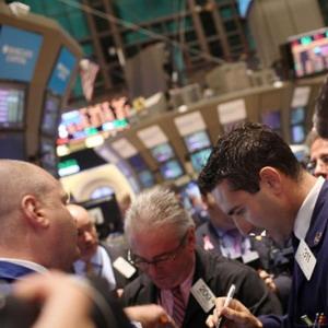 Dow Jones tăng nhẹ